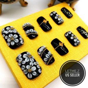 Press on Nails Glue On Acrylic Flower Black Gold